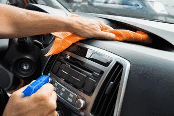 Comparatif rénovateur plastique auto