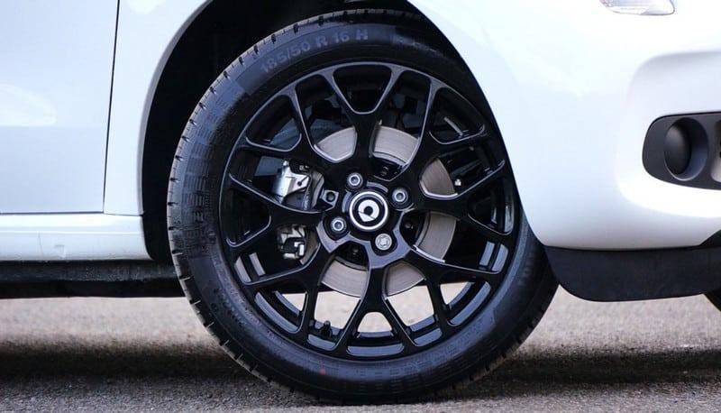 Gérer un problème de pneu crevé en urgence