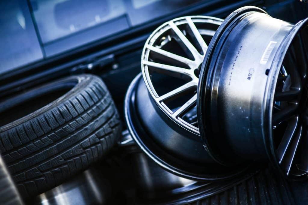 Démonte pneu voiture